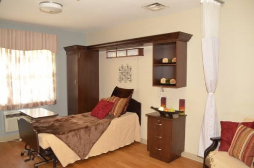 Private Rooms in Aurora, IL nursing home